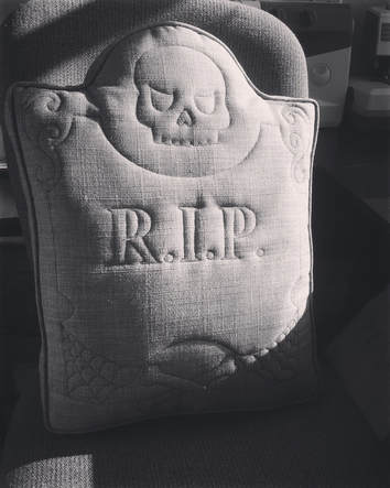 Halloween Tombstone Sewalong DIY tutorial for a spooky pillow